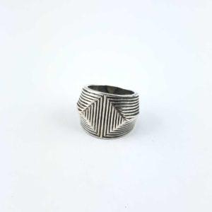 anello-artigianale-india-argento-925-disegno-geometrico-online