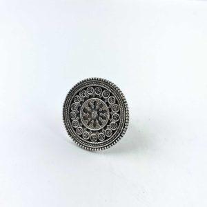 anello-artigianale-india-argento-925-scudo-disegno-floreale-online