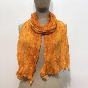 sciarpa-pura-seta-sfumata-tono-su-tono-gradazioni-arancione