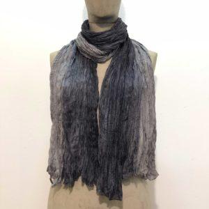 sciarpa-pura-seta-sfumata-tono-su-tono-gradazioni-nero-grigio