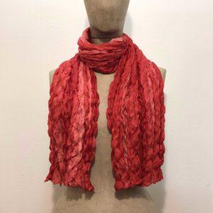 sciarpa-pura-seta-sfumata-tono-su-tono-gradazioni-rosso-acceso