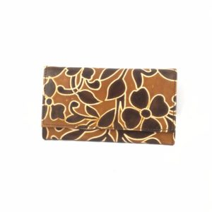 Portafoglio-cuoio-porta-carte-credito-porta-monete-sfumature-marroni-disegno-etnico