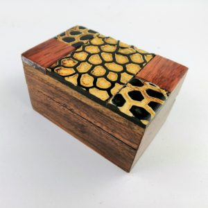 Scatola-legno-Sheesham-finiture-como-bufalo-disegno-tribale