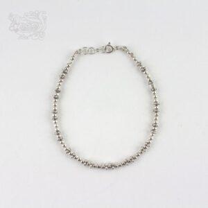 Bracciale-argento-925-regolabile-dettagli-floreali-chiusura-moschettone